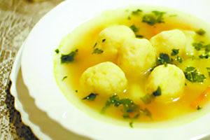 Суп iз сирними кульками