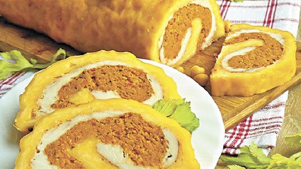 М'ясний рулет у сирній оболонці