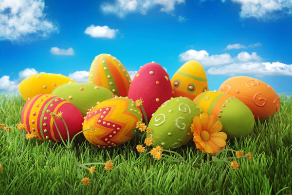 Сіль не дасть яйцю тріснути, а оцет допоможе фарбі лягти рівномірно