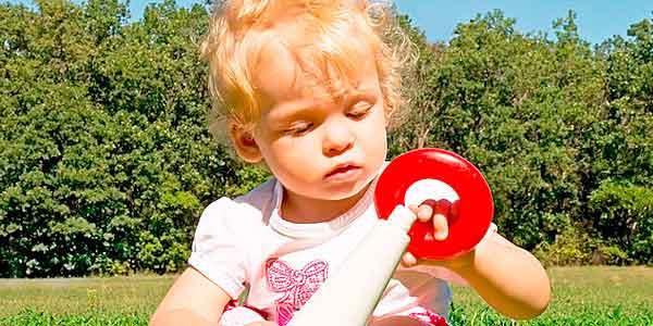 вивчати з дитиною кольори