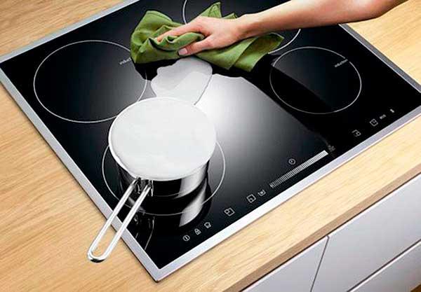 Протирать плиту