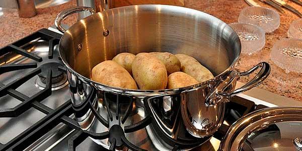 варена картошка