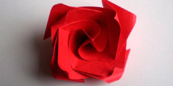Роза орігамі