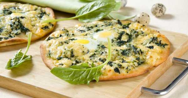 Піца зі шпинатом