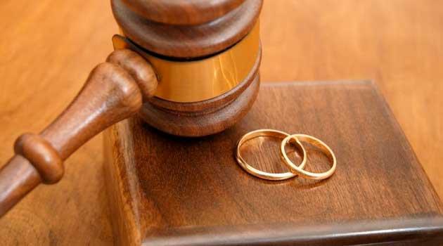 розлучень через субсидії