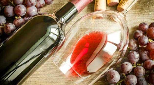Що робити з недопитим вином