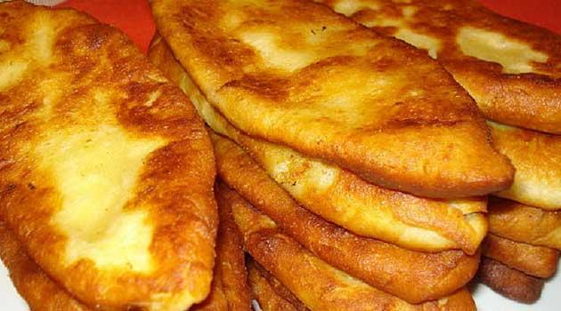 На сніданок - тонкі пиріжки