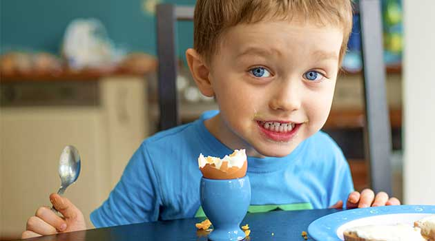 Які яйця можна давати дитині