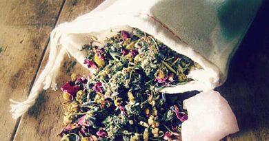 Лікувальна подушка з травами