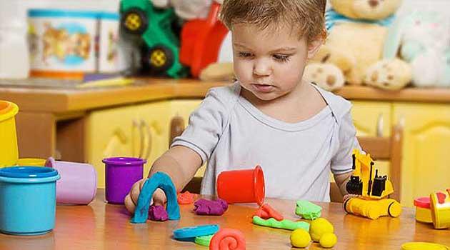Як привчити дитину гратись самостійно
