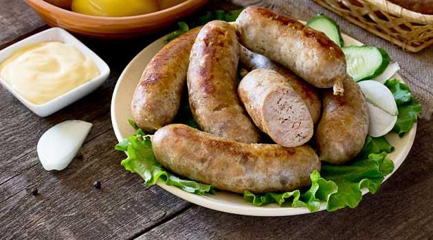 Домашня ковбаска з картоплею