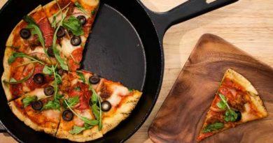 Швидка піца на деку