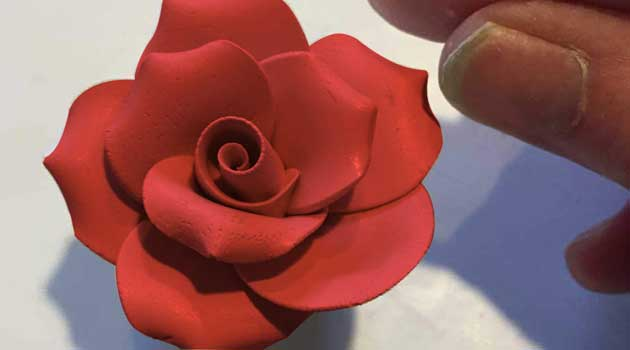Троянда з пластиліну