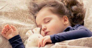 Чи потрібно дітям спати вдень