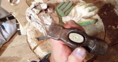 Клин-тризуб для молотка