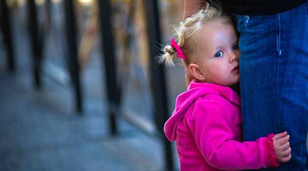 Причини появи сором'язливості в малюка