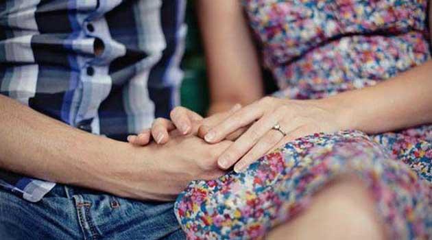 Дотики близької людини полегшують біль