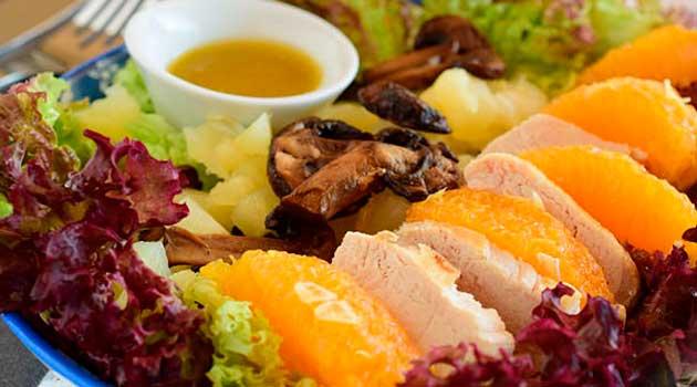 Салат із куркою й апельсином