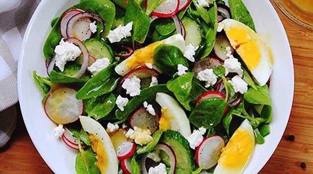 Салат з яєчних жовтків