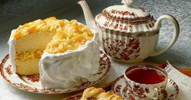 Яблучний чай з лимонним пирогом