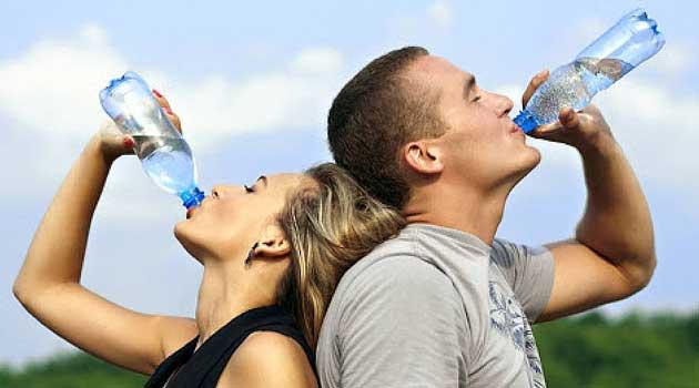 Коли і як правильно пити воду