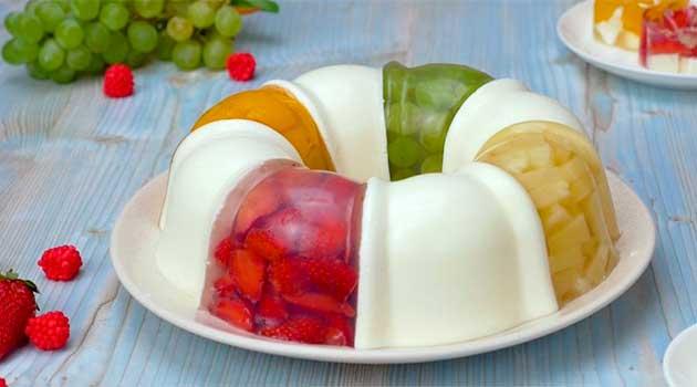 Желейний торт з фруктами