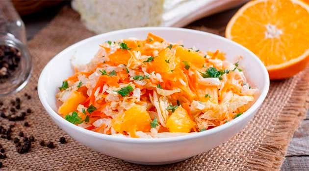 Салат із пекінської капусти і апельсин