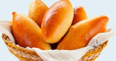 Пісні пиріжки з яблучною начинкою