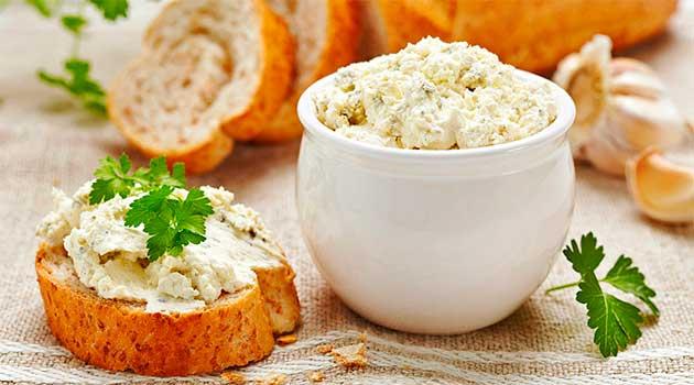 Сирно-горіхова закуска із часником