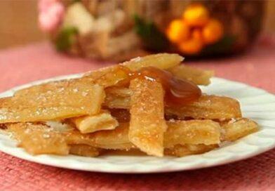 Хрусткі палички з яблучною начинкою