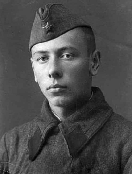 Старший сержант Анатолій Папанов під час війни