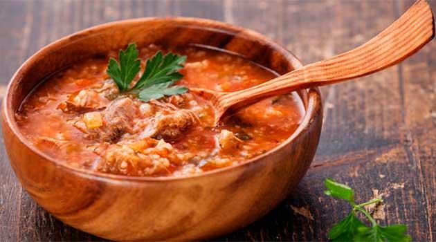 Класичний суп-харчо