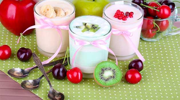 Йогурти, фрукти, овочі