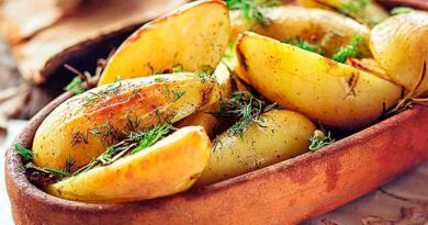 Запечена молода картопля