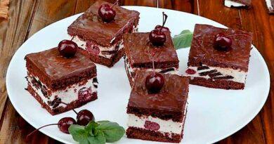 Бісквітний торт із вишнею