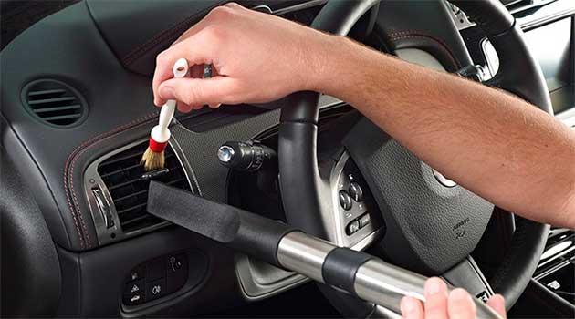 Як легко підтримувати чистоту в авто