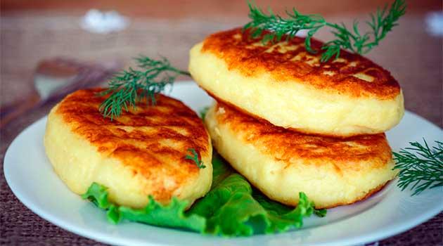 Картопляні пиріжки з кабачком
