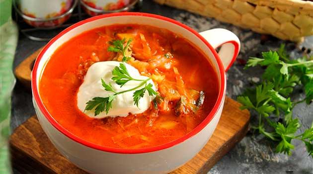 Бабусин борщ з кількою в томаті