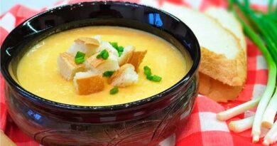 Сирний суп із куркою