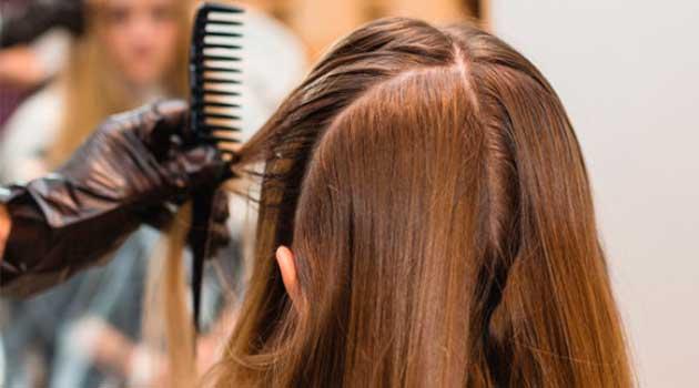 Поділ волосся при фарбуванні