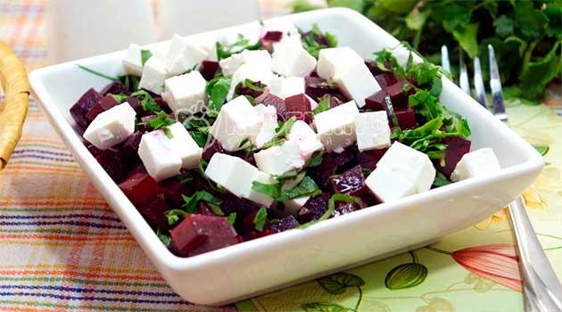 Салат із буряка та бринзи