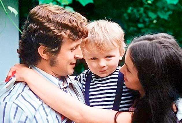Софія Ротару з чоловіком і сином