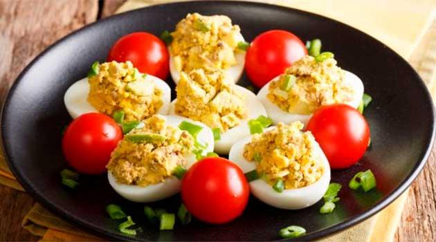 Яйця, фаршировані тунцем