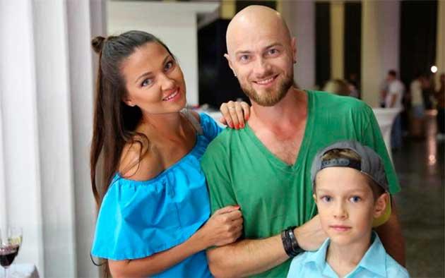 Влад Яма з сім'єю
