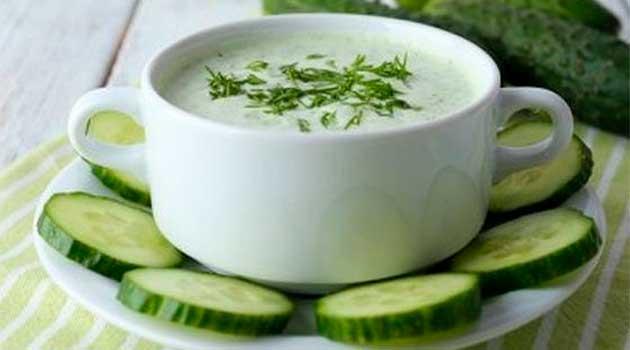 Освіжаючий літній суп з огірками