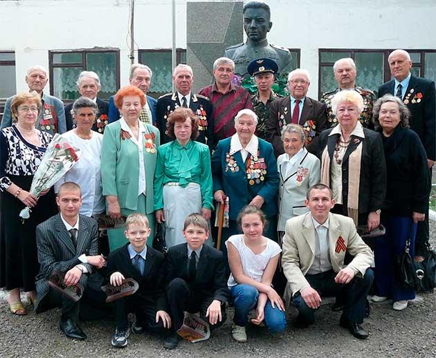 Ветерани ВВВ і воїни-інтернаціоналісти у 27-й школі м.Черкаси