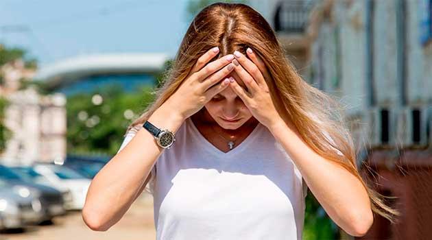 Сонячний удар: симптоми і перша допомога